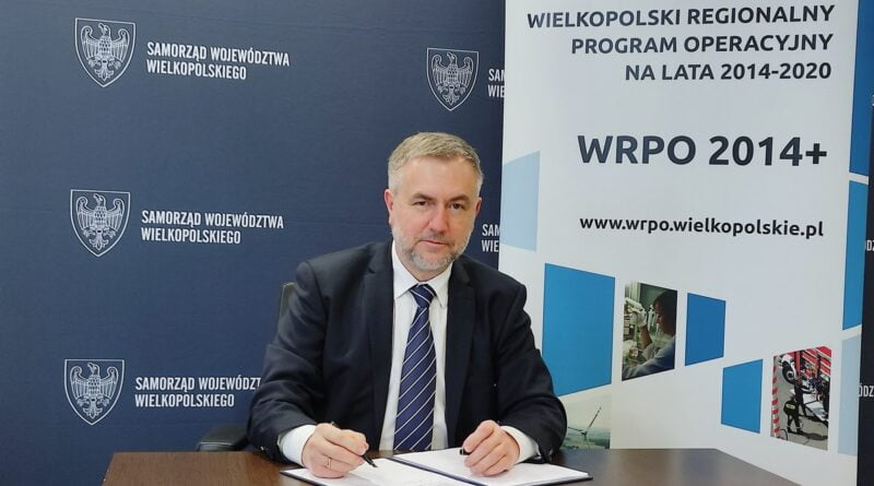 Marszałek Marek Woźniak umowy WRPO fot. UMWW