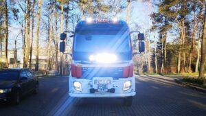 nowe wozy strazackie fot. wuw6 300x169 - Wielkopolska: Sześć nowych wozów strażackich za frekwencję już dojechało