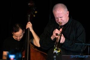 piotr wojtasik specjalny koncert swiateczny fot. slawek wachala 6663 300x200 - Piotr Wojtasik w Blue Note. Online