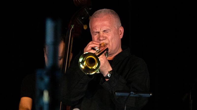 piotr wojtasik specjalny koncert swiateczny fot. slawek wachala 6766 800x445 - Piotr Wojtasik w Blue Note. Online