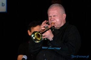 piotr wojtasik specjalny koncert swiateczny fot. slawek wachala 6790 300x200 - Piotr Wojtasik w Blue Note. Online