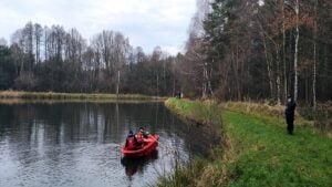 poszukiwania zaginionej fot. osp kobyla gora 300x169 - Ostrzeszów: Ciało zaginionej 36-latki znaleziono w zalewie