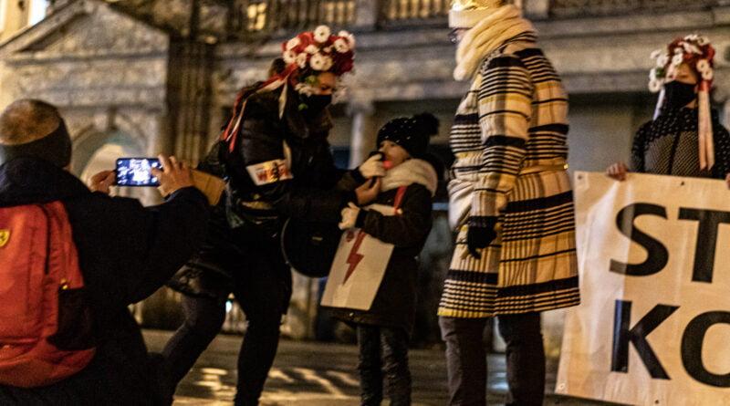 Protest Kobiet Poznań fot. Sławek Wąchała