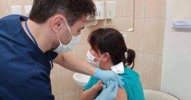 szczepienia przeciwko covid-19 fot. PCM