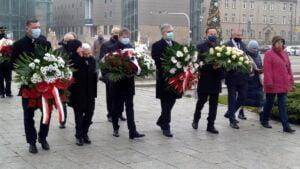 wprowadzenie stanu wojennego 39. rocznica5 300x169 - Poznań: Kwiaty na 39. rocznicę wprowadzenia stanu wojennego