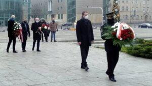 wprowadzenie stanu wojennego 39. rocznica6 300x169 - Poznań: Kwiaty na 39. rocznicę wprowadzenia stanu wojennego