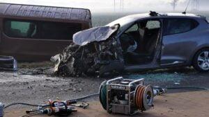 wypadek fot. osp golina2 300x169 - Konin: Wypadek między Goliną a Kazimierzem Biskupim. Dwie osoby ranne