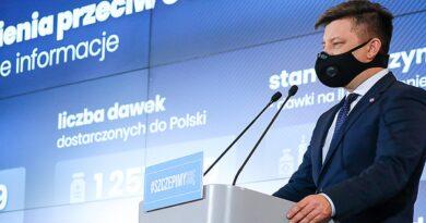 """Minister Dworczyk o niewydolnym systemie: """"proszę o wyrozumiałość"""""""