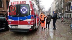pomoc bezdomnym fot. smmp2 1 300x169 - Poznań: Kolejna ofiara zimy uratowana przed zamarznięciem