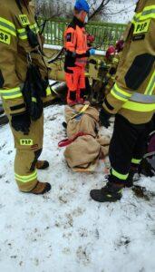 pomoc bezdomnym fot. smmp3 171x300 - Poznań: Koczowała pod wiaduktem. Strażnicy uratowali jej życie