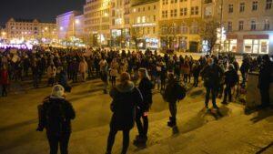 protest po uzasadniu wyroku tk strajk kobiet fot. k. adamska4 300x169 - Poznań: Kobiety znów wyszły na ulice!