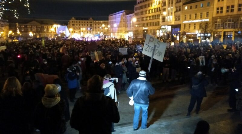 Strajk Kobiet plac Wolności
