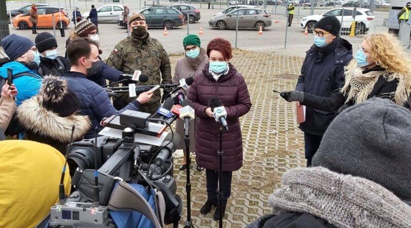 wicewojewoda Aneta Niestrawska, Testy dla nauczycieli fot. WUW