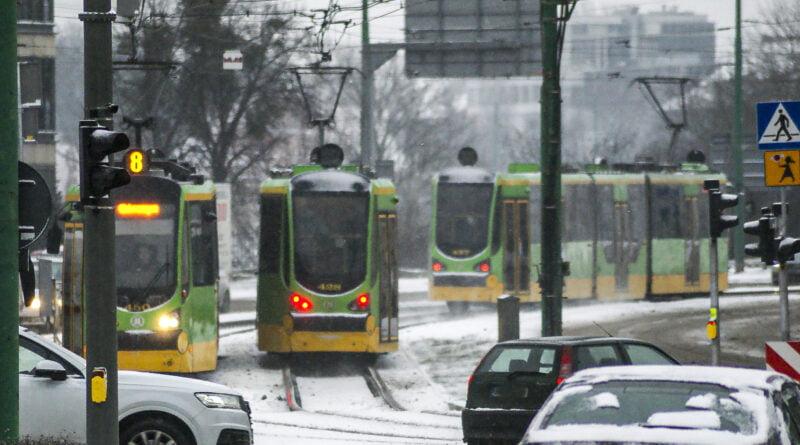 Zima tramwaj śnieg Poznań fot. Sławek Wąchała