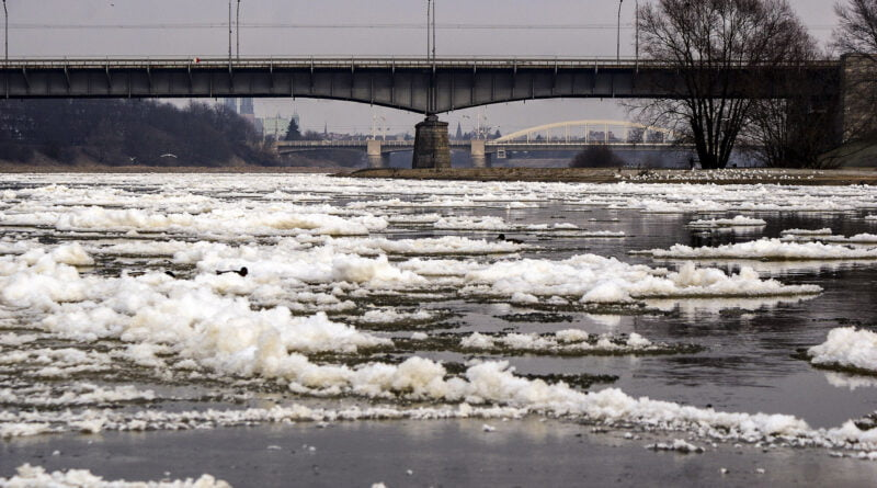 Zima śryż rzeka Warta Poznań fot. Sławek Wąchała