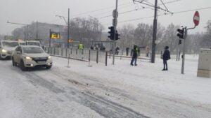 krolowej jadwigi 300x169 - Poznań: Stoją samochody, stoją tramwaje, zima zwyciężyła