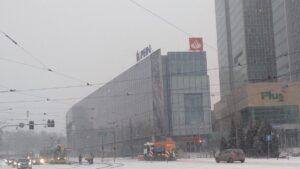 krolowej jadwigi6 300x169 - Poznań: Stoją samochody, stoją tramwaje, zima zwyciężyła