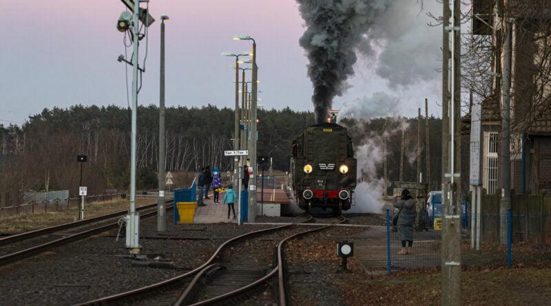 PKP parowóz na linii Poznań - Wolsztyn Szreniawa Parowozownia Wolsztyn fot. Sławek Wąchała