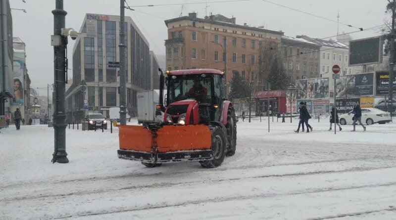 plac Wiosny Ludów, pług snieżny fot. L. łada