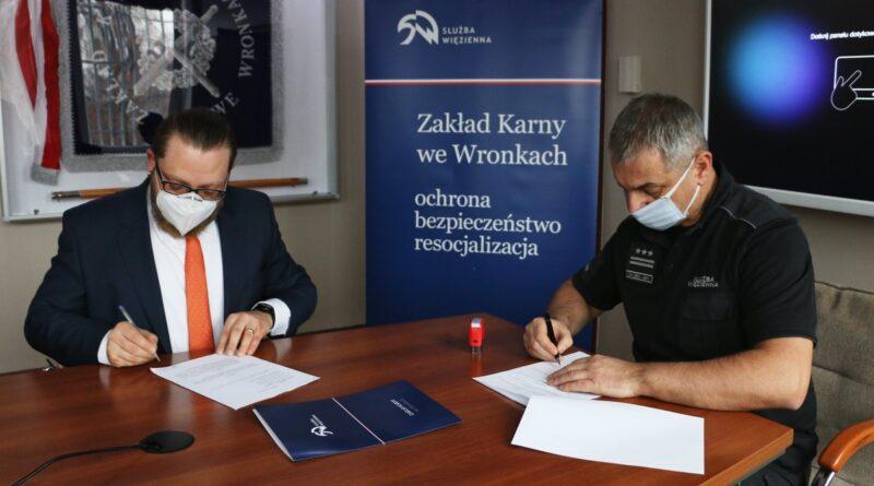 podpisanie porozumienia w ZK we Wronkach fot. szer. Jolanta Żółkiewska