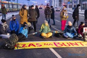 Redukujcie emisje, nie prawa człowieka - blokada fot. Sławek Wąchała