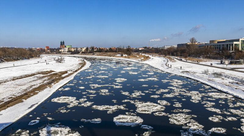 Rzeka Warta Cybina zimą zima mróz kra fot. Sławek Wąchała