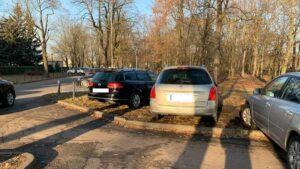 samochody na cytadeli fot. h. owsianna 300x169 - Poznań: Cytadela rozjeżdżana kołami samochodów