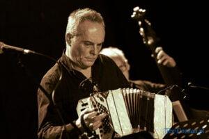 wieslaw przadka quinteto tango nuevo fot. slawek wachala 3357 300x200 - Pobiedziska: Wiesław Prządka Quinteto Tango Nuevo. Było gorąco!