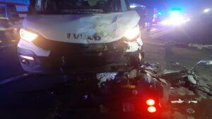 wypadek fot. kpp kepno 300x169 - Kępno: Wypadek w Piaskach. Dwaj bracia walczą o życie