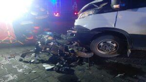 wypadek fot. kpp kepno3 300x169 - Kępno: Wypadek w Piaskach. Dwaj bracia walczą o życie