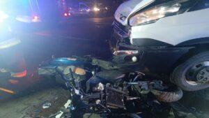 wypadek fot. kpp kepno4 300x169 - Kępno: Wypadek w Piaskach. Dwaj bracia walczą o życie