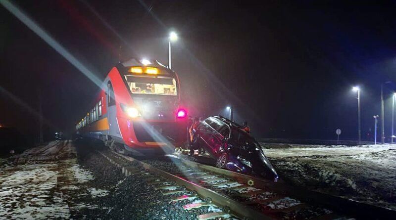 wypadek, przejazd kolejowy fot. OSP Baborowo