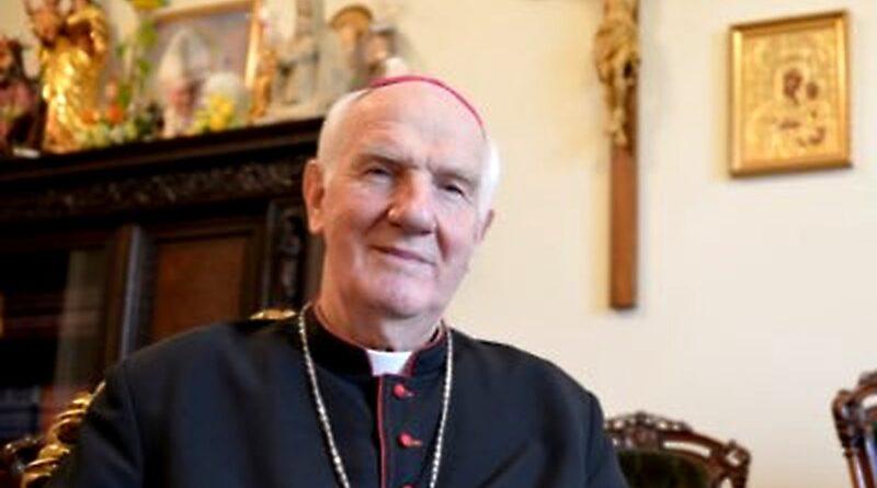 Biskup Ignacy Dec fot. TT