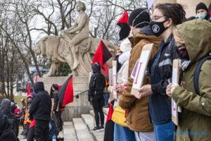 demonstracja z okazji dnia kobiet fot. slawek wachala 5699 300x200 - Poznań: Demonstracja przed Operą. Z okazji Dnia Kobiet