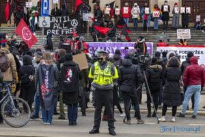 demonstracja z okazji dnia kobiet fot. slawek wachala 5715 300x200 - Poznań: Demonstracja przed Operą. Z okazji Dnia Kobiet