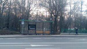 nowa wiata z piktogramami 300x169 - Poznań: Wiaty przystankowe z piktogramami. Żeby ochronić ptaki