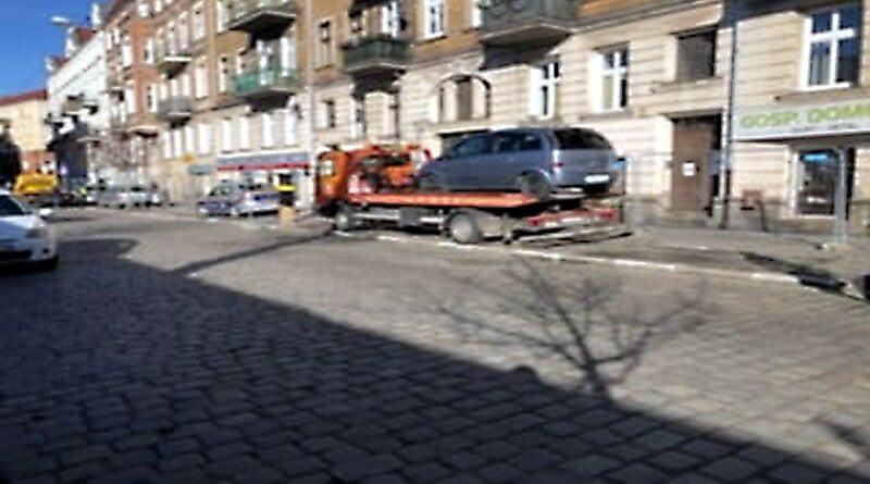 odholowanie samochodów Wilda fot. SMMP