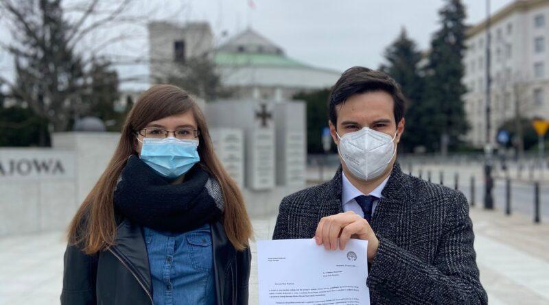 petycja o odwołanie ministra Niedzielskiego fot. stowarzyszenie Otwarte Ramiona