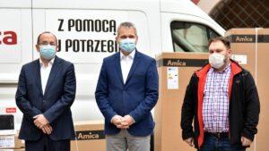 pomoc dla pogorzelcow z osiedla kopernika fot. ump 300x169 - Poznań: Pogorzelcy z osiedla Kopernika otrzymali pomoc