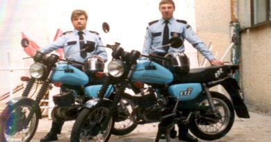 straż miejska lata 90. fot. SMMP