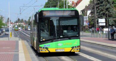 autobus linii 182 fot. ZTM