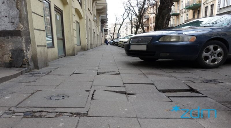 chodnik do remontu, ul. Małeckiego fot. ZDM