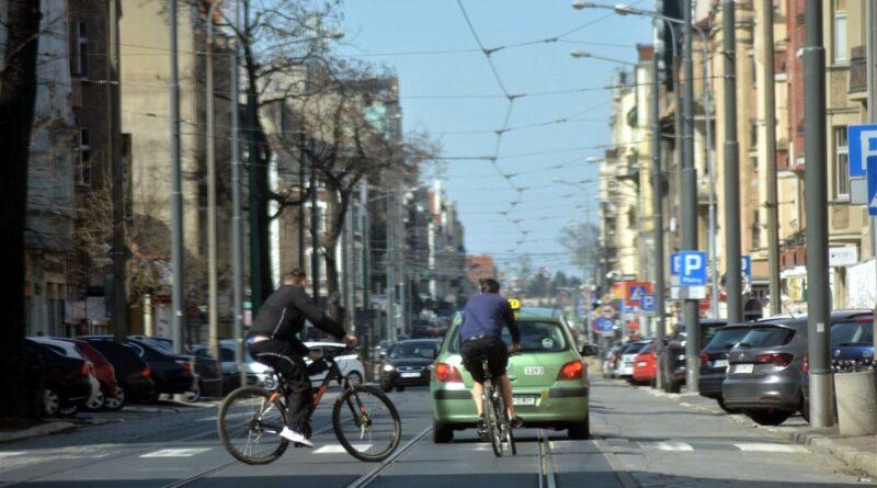 dabrowskiego rowerzysci fot. k. adamska 800x445 - Poznań: Jakie inwestycje rowerowe czekają nas w 2021 roku?