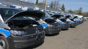 furgony patrolowe vw t6 fot. policja4 300x169 - Wielkopolska: 15 nowych radiowozów dla wielkopolskich policjantów
