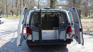 furgony patrolowe vw t6 fot. policja6 300x169 - Wielkopolska: 15 nowych radiowozów dla wielkopolskich policjantów
