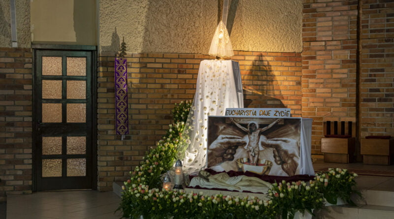 Grób Pański kościół św. Łukasza Ewangelisty osiedle Rusa fot. Sławek Wąchała