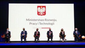 podpisanie umowy sim w poznaniu2 300x169 - Poznań: Społeczna Inicjatywa Mieszkaniowa będzie budować mieszkania w województwach wielkopolskim i lubuskim