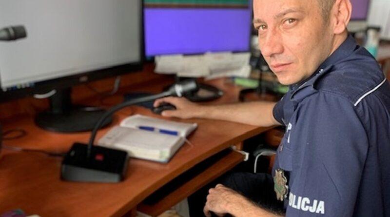 policjant, który zatrzymał pijanego kierowcę fot. policja