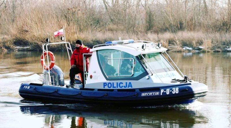 poszukiwania w Warcie fot. policja