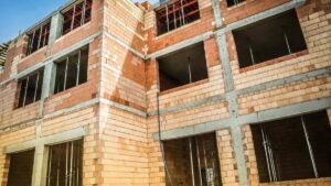 szkola na podolanach fot. pim3 300x169 - Poznań: W nowym budynku szkoły powstaje już ostatnie piętro